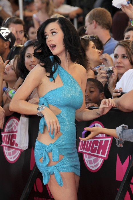 katy perry in a blue dress
