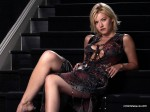 elisha cuthbert stairs 150x112 elisha cuthbert super post Wallpaper Television Sexy Movies
