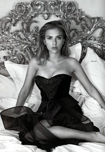 Scarlett in Vogue UK 2006