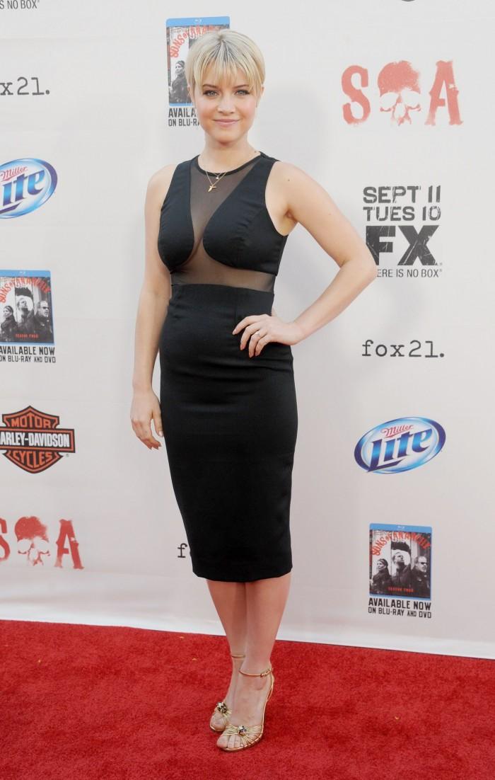 sarah jones - nice sideboob.jpg