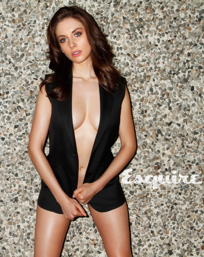 alison brie with no pants on.jpg