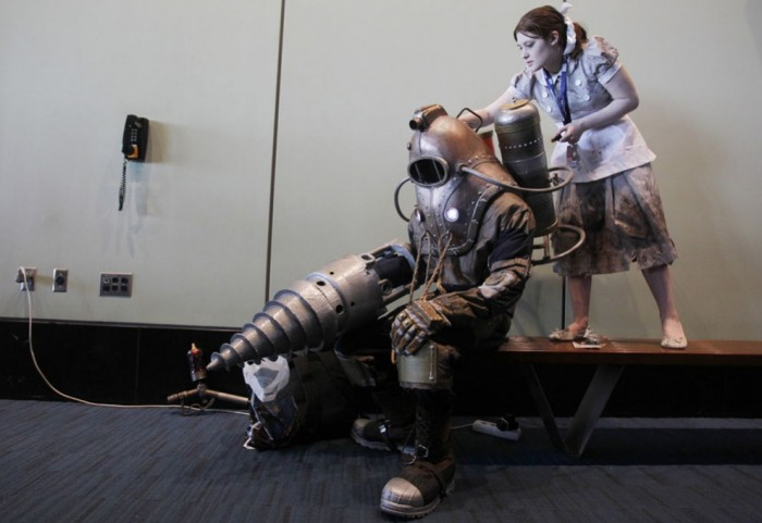 big daddy and little sister cosplayers