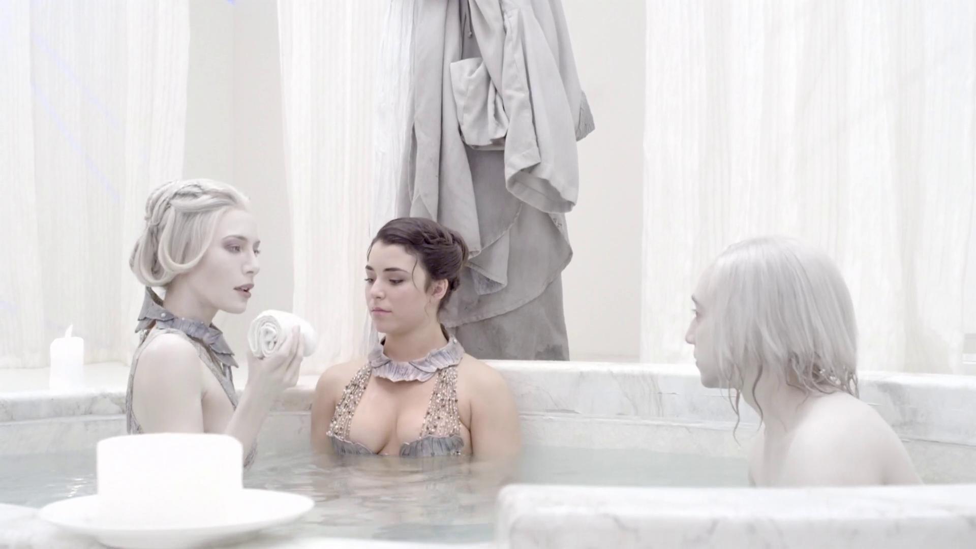 Defiance S02E02 Bath Scene (6) « MyConfinedSpace