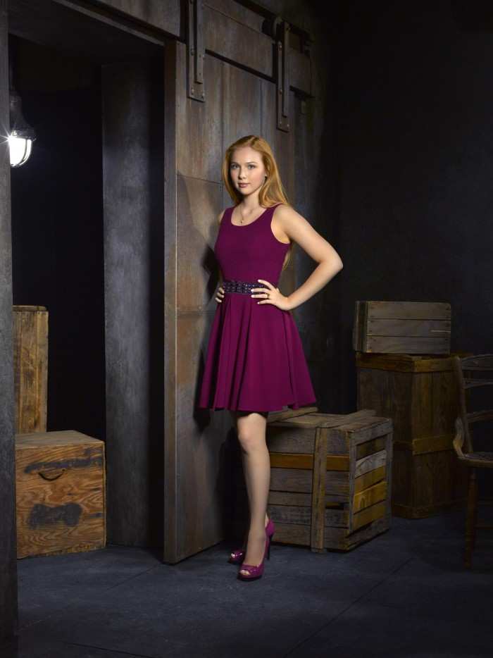 Molly Quinn in purple dress.jpg