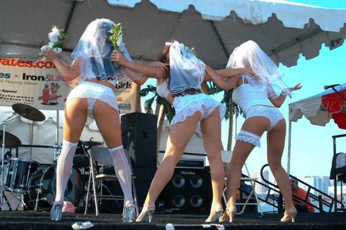 lesbian polygamy 700x465 Lesbian polygamy wedding women wedding Sexy polygamy not exactly safe for work lingerie lesbian