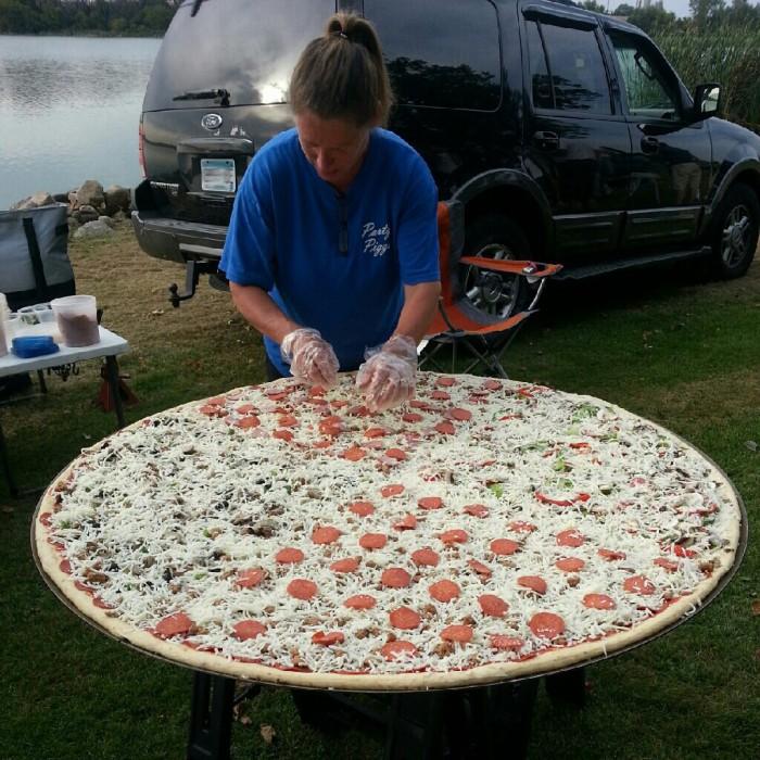 massive outdoor pizza.jpg