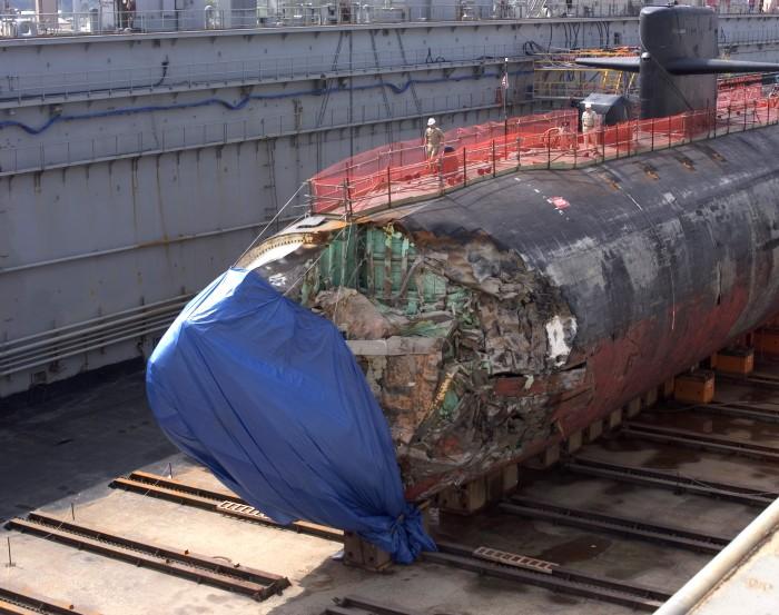 1396641725899 700x553 sub repair Military