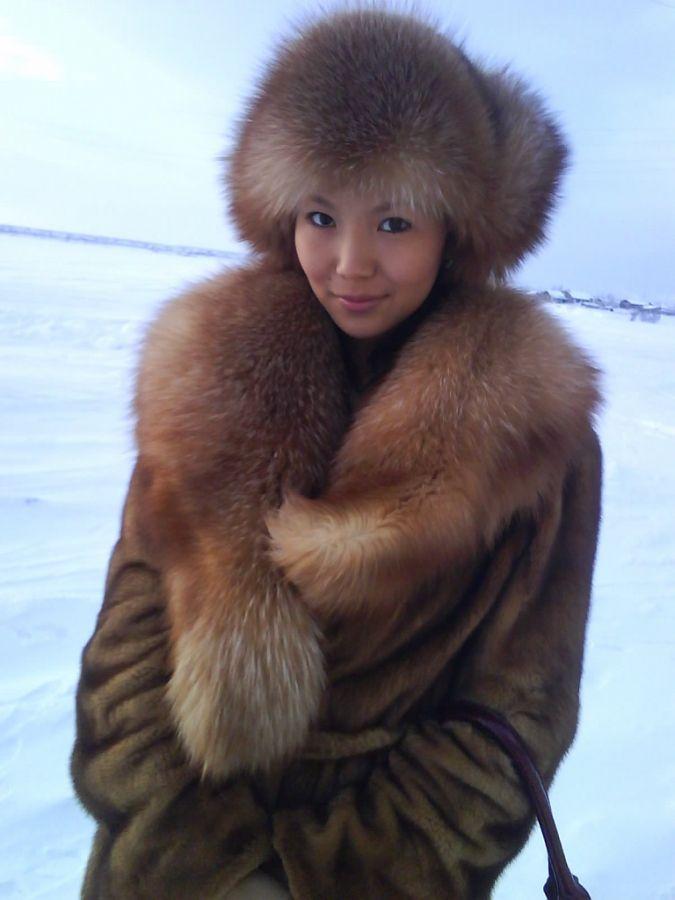 1405206380679 fur lady Sexy