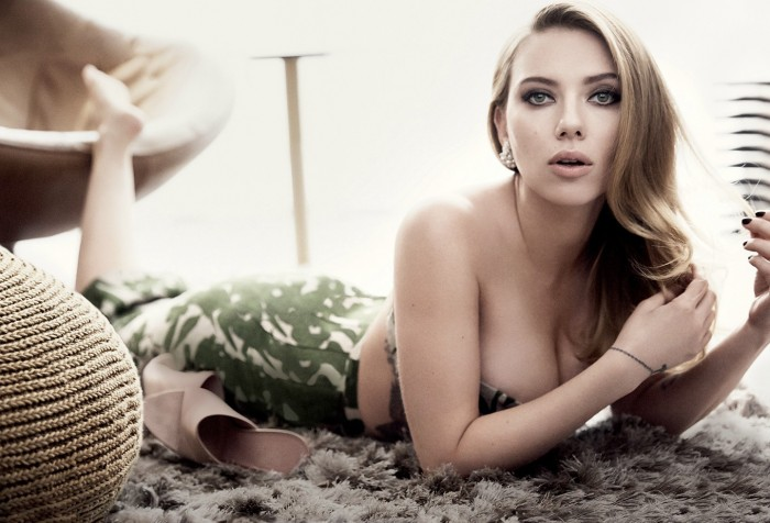 Scarlet on her stomach 700x476 Scarlet on her stomach Wallpaper Sexy Scarlett Johansson not exactly safe for work