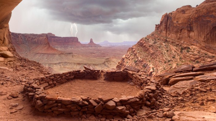 False Kiva Canyonlands National Park Utah by Don Paulson 700x393 False Kiva Canyonlands National Park Utah by Don Paulson Wallpaper Nature