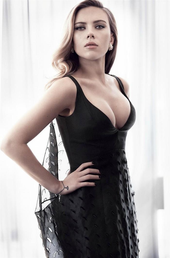 Scarlet in black 700x1058 Scarlet in black vertical wallpaper Sexy Scarlett Johansson NeSFW