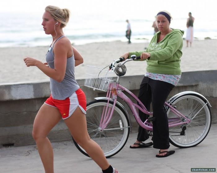 runner vs biker 700x561 runner vs biker Sports Sexy fat shaming