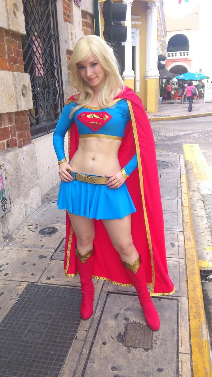 Supergirl Cosplayer 700x1244 Supergirl Cosplayer supergirl Sexy NeSFW cosplay
