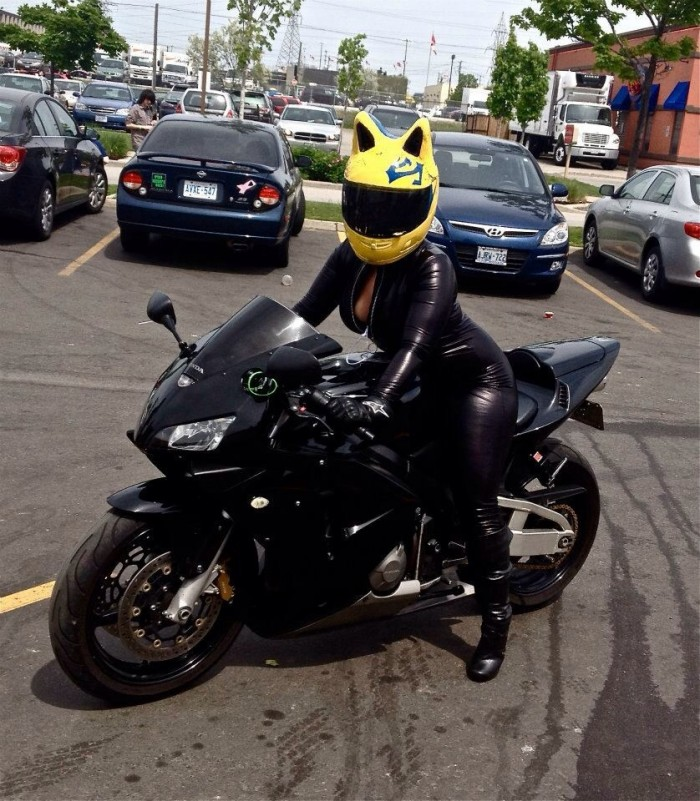 Celty Curara Cosplay.jpg