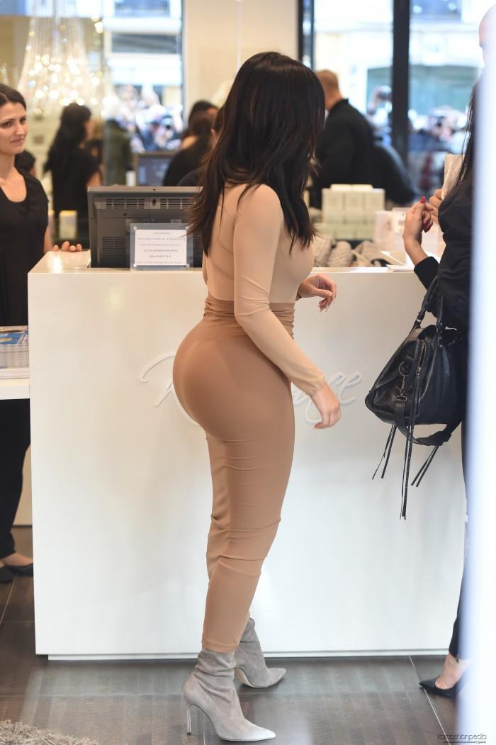 Kim Kardashian and her jello butt.jpg