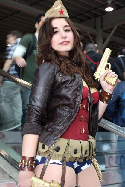 Wonder Woman Pin Up Cosplay.jpg