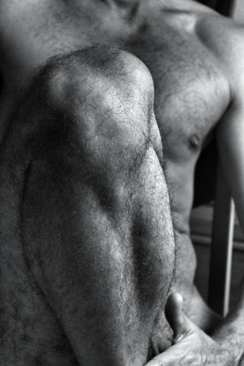hairy knee NeSFW men
