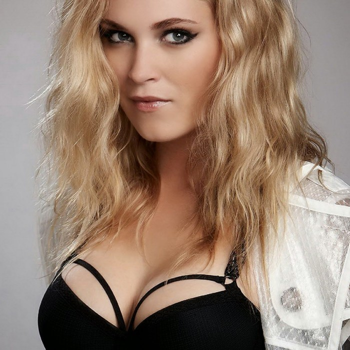 Eliza Taylor sexy wrapped cleavage.jpg