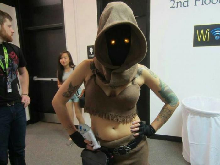 Star Wars Jawa Cosplayer.jpeg