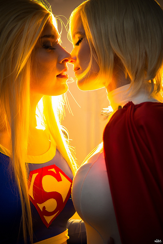 Super Kiss supergirl Sexy powergirl gay Comic Books