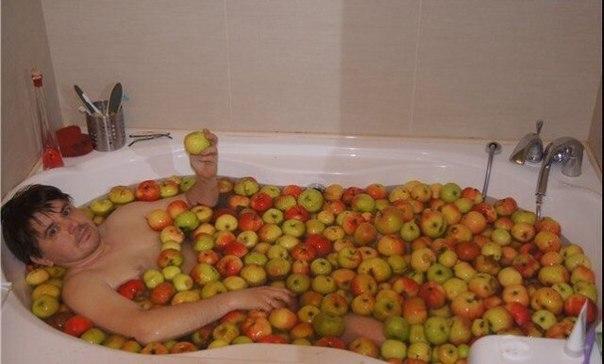 apple bath.jpg