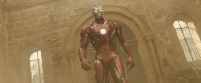 Shiney Red Iron Man 700x291 Shiney Red Iron Man