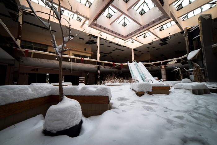 Snow Mall.jpg