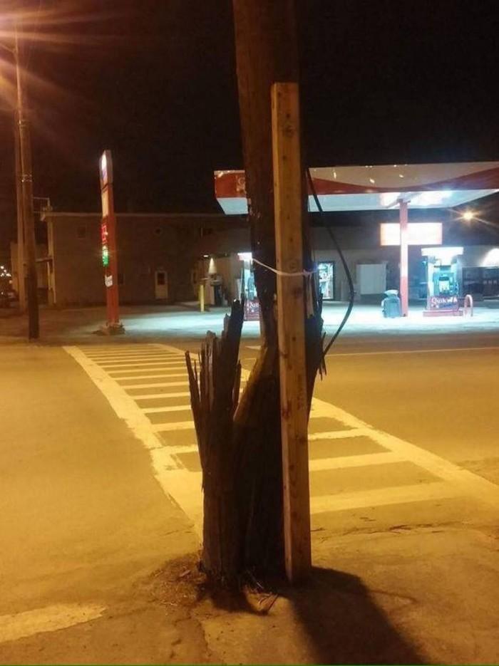 broken pole.jpg