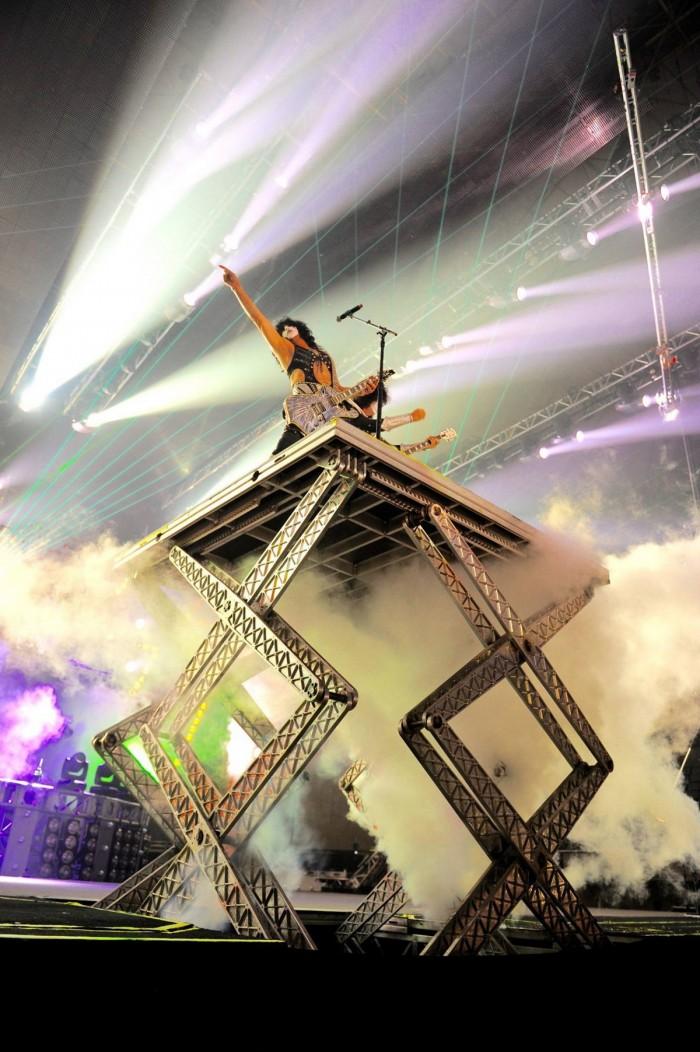 Kiss Stage .jpg