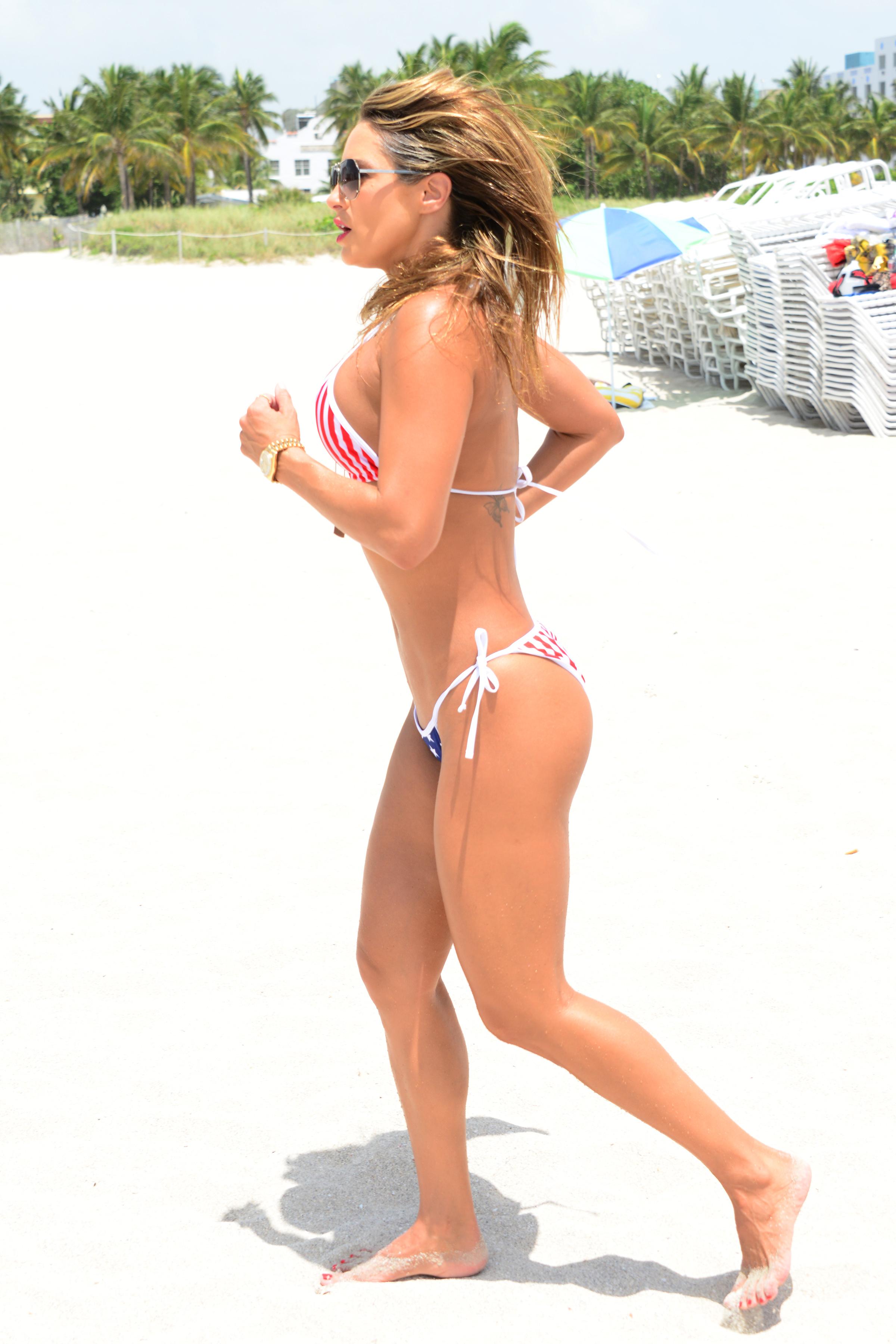 Jennifer-Nicole-Lee_bangtidy-net_1346884.jpg