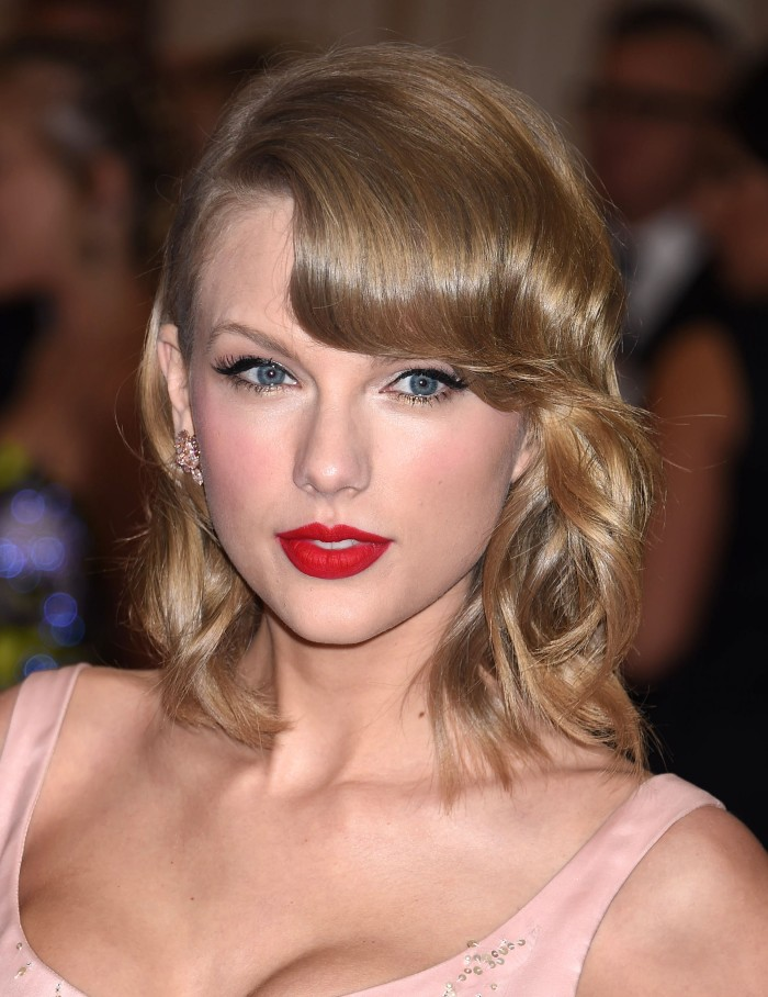 B_Taylor_Swift_MET_Costume_Gala_NYC_050514_G203
