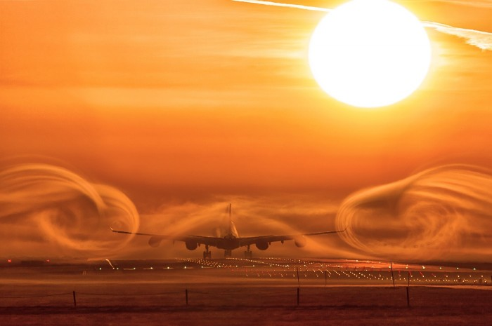Airliner Swirls