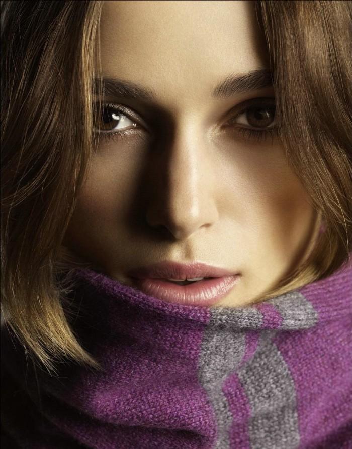 Keira Knightley in a scarf.jpg