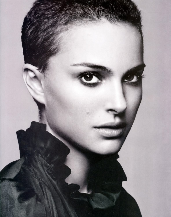 Natalie Portman with short hairs.png