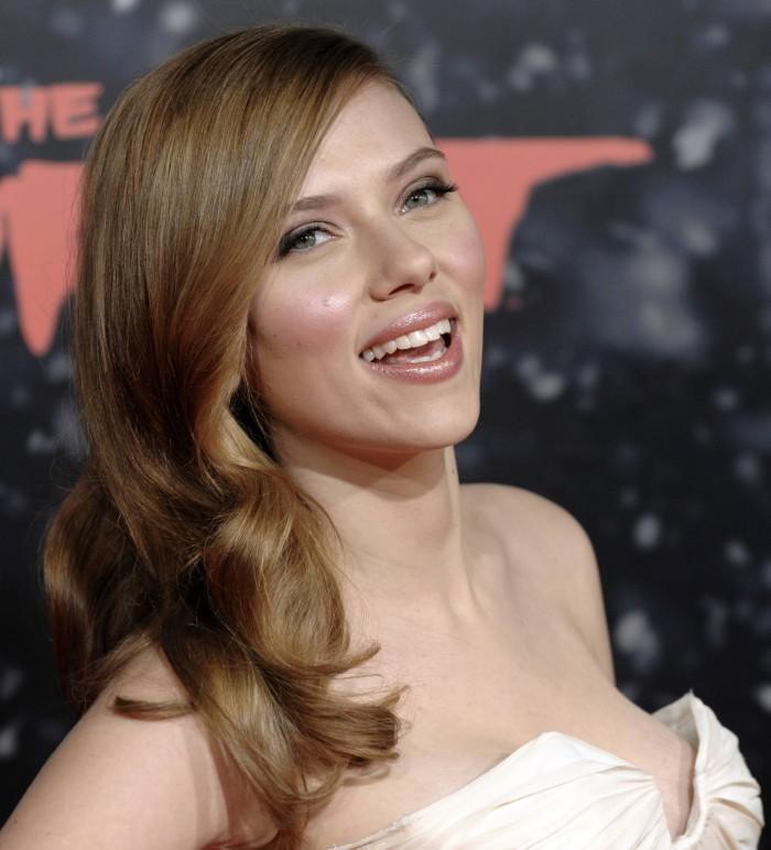 Scarlett Has A Laugh.jpg