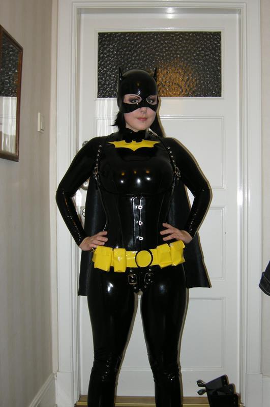 Latex Batgirl.jpg