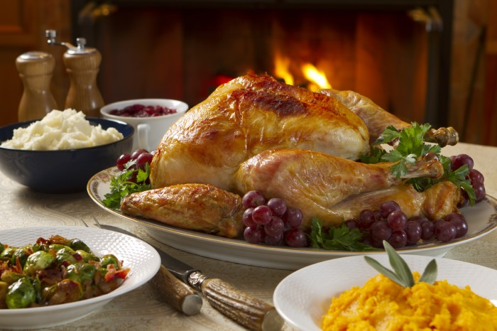 Happy Thanksgiving Wallpaper - big turkey with grapes.jpg