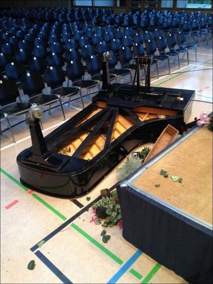 piano - tossed.jpg