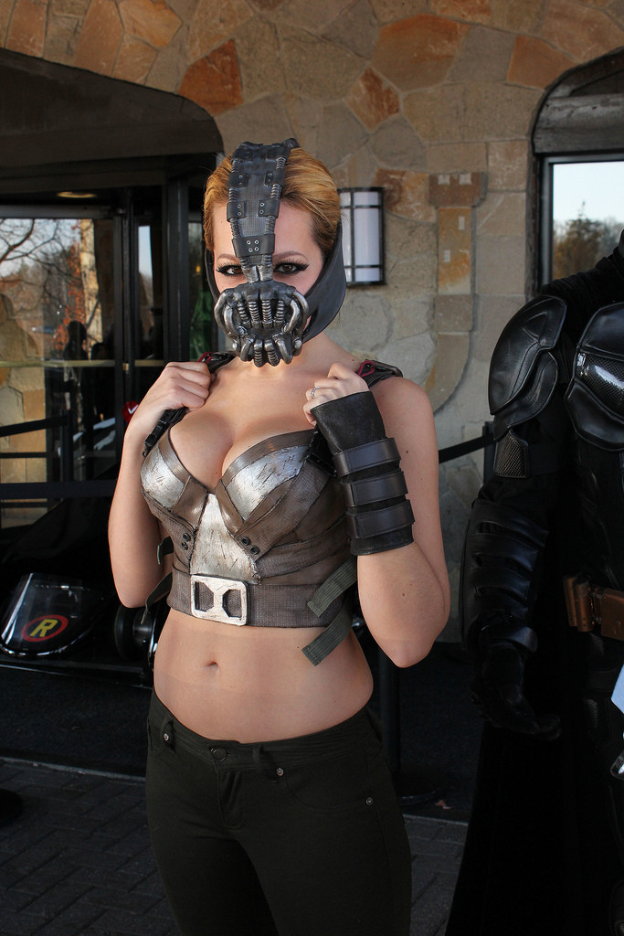 Bane Cosplayer Bane Cosplayer the dark knight bane Sexy NeSFW Movies cosplay Comic Books
