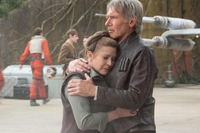 Han consoles Leia.jpg