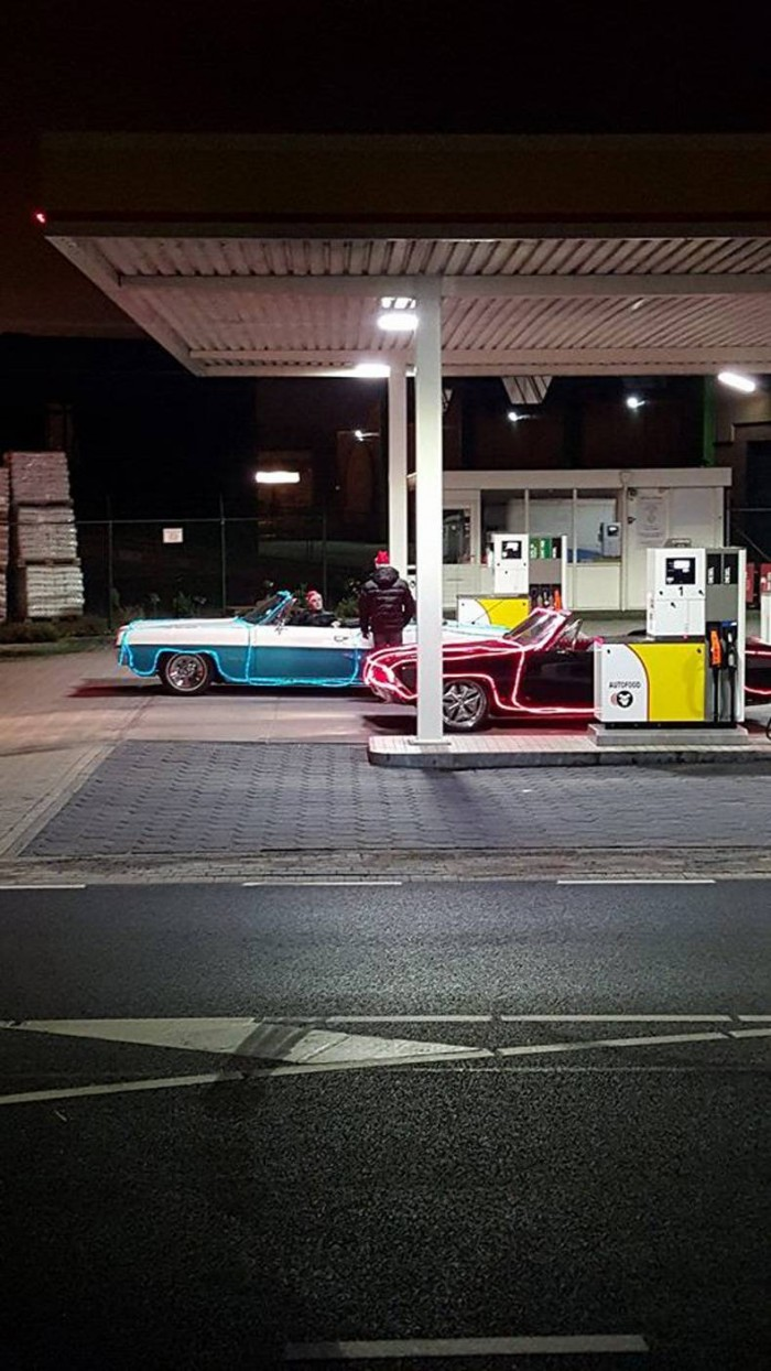 christmas car fuel up.jpg