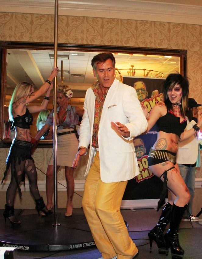 Bruce Campbell dancing at comicon.jpg