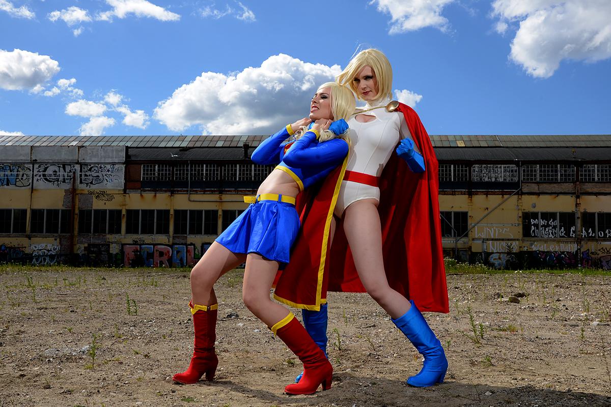 Power_Girl-Supergirl-002.jpg