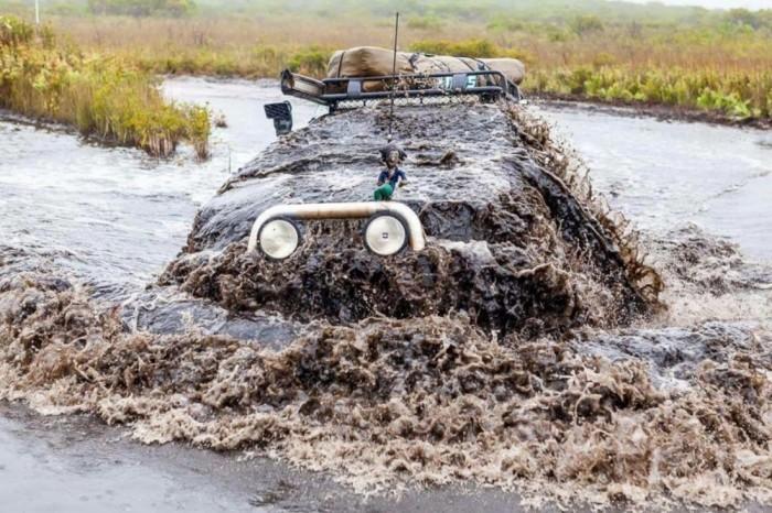 underwater car.jpg