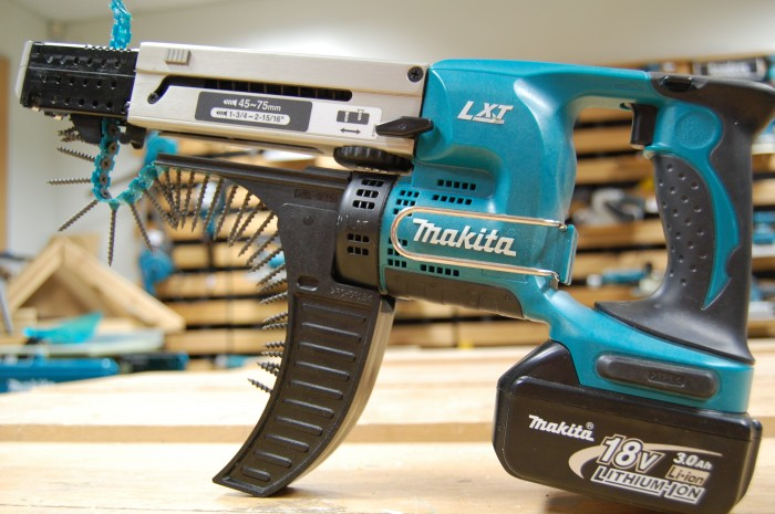 fancy nail gun 700x465 fancy nail gun Wallpaper tolls