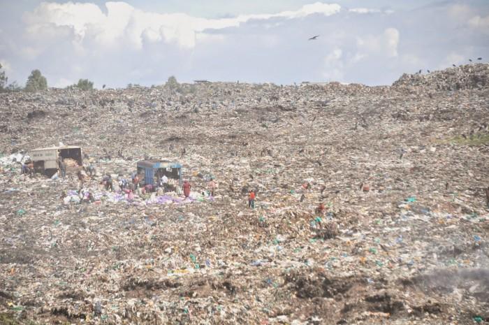 Garbage dump in Nairobi.jpg