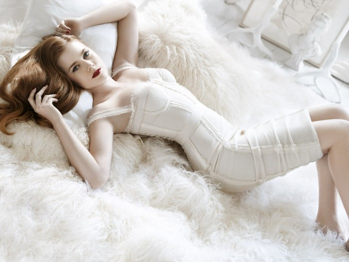 amy adams in white on white while white.jpg