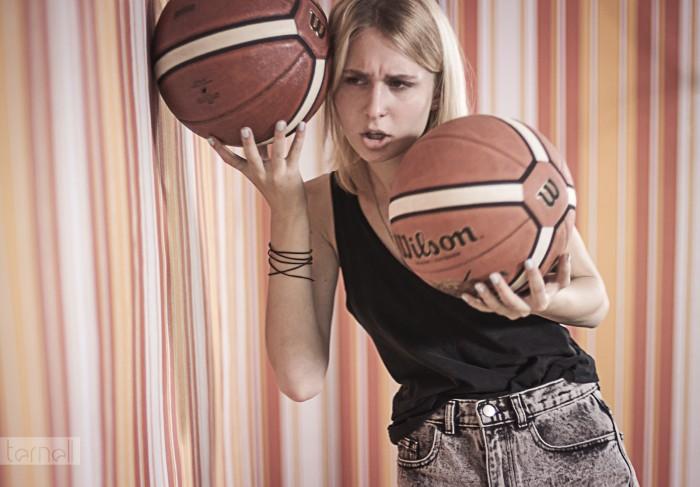 ball juggler.jpg