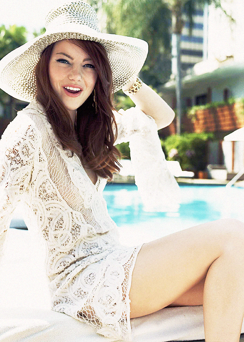 emma in a white hat.png