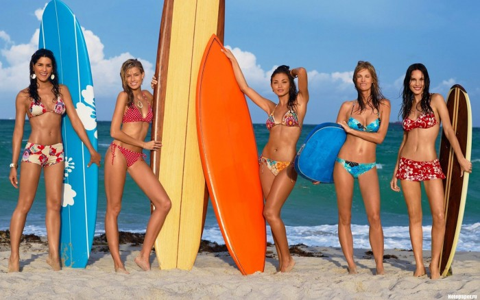 surfer women.jpg